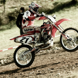 dirt-bike-racing